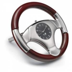luxusne-hodiny-pre-motoristov-v-tvare-volantu